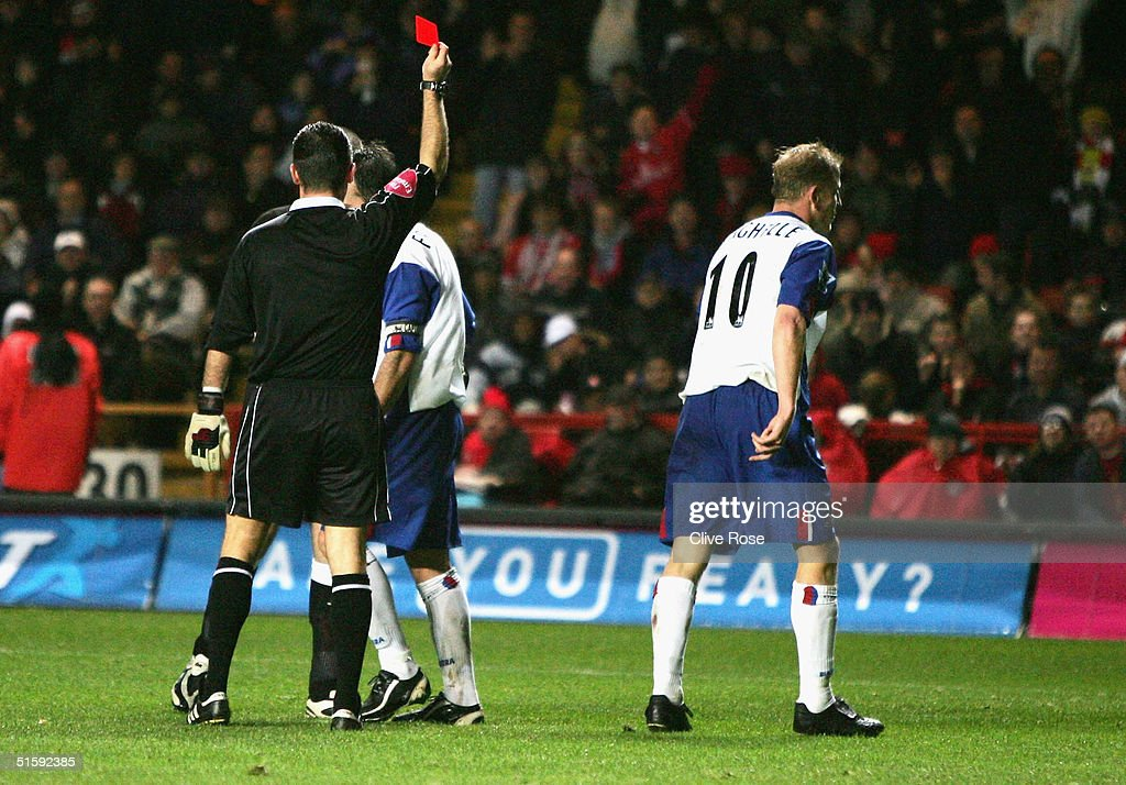 Charlton Athletic v Crystal Palace : News Photo
