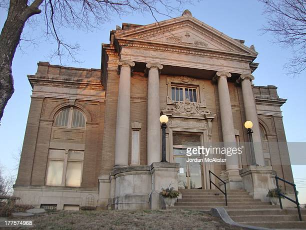 CONTENT] M R Sandquinst designed this stately Classical Revival Carnegie Library built in 190002 It is a National Register of Historic Places property