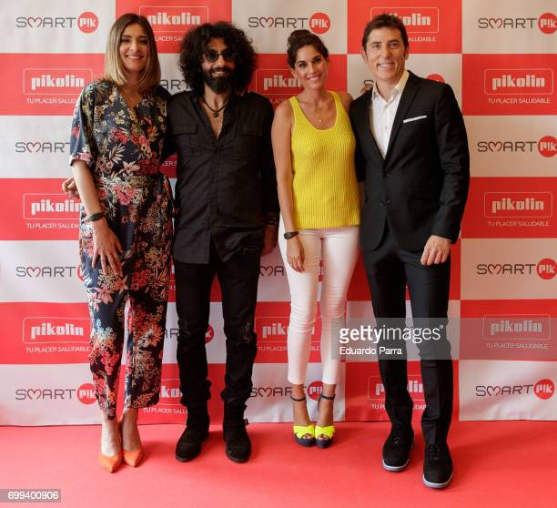 Sandra Barneda Ara Malikian Lourdes Montes and Manel Fuentes attend the 'Smart PK by Pikolin' photocall at La Casa del Lector on June 21 2017 in...