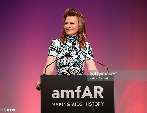 Sandra Bernhard speaks onstage at the 2015 amfAR Inspiration Gala New York at Spring Studios on June 16 2015 in New York City