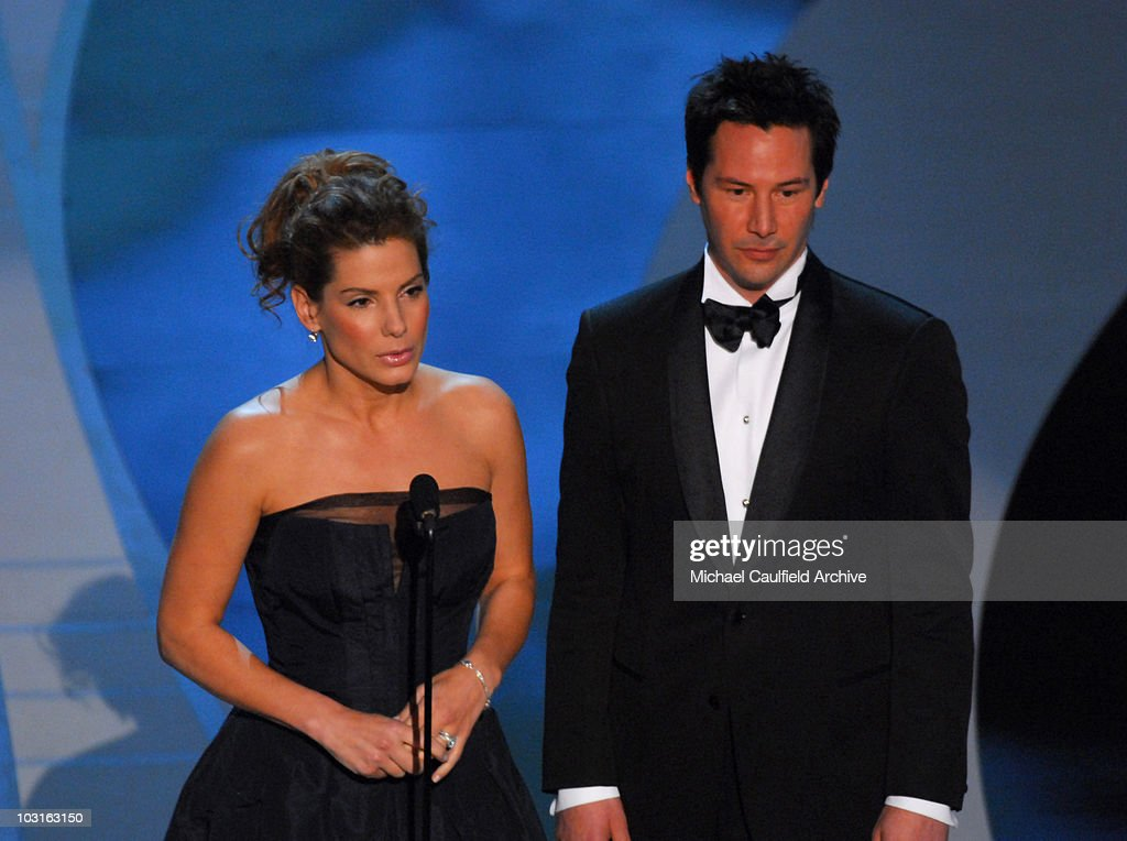 Sandra Bullock and Keanu Reeves present award for