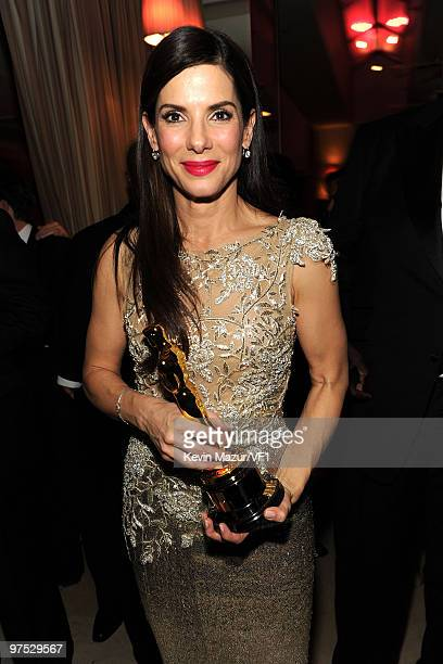 Sandra Bullock attends the 2010 Vanity Fair Oscar Party hosted by Graydon Carter at the Sunset Tower Hotel on March 7, 2010 in West Hollywood,...