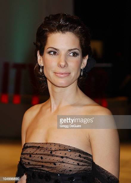 Sandra Bullock during 2002 Vanity Fair Oscar Party Hosted by Graydon Carter Arrivals at Morton's Restaurant in Beverly Hills California United States