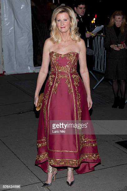 Sandra Lee attends the '2016 amfAR' New York Gala outside arrivals at Cipriani Wall Street in New York City �� LAN