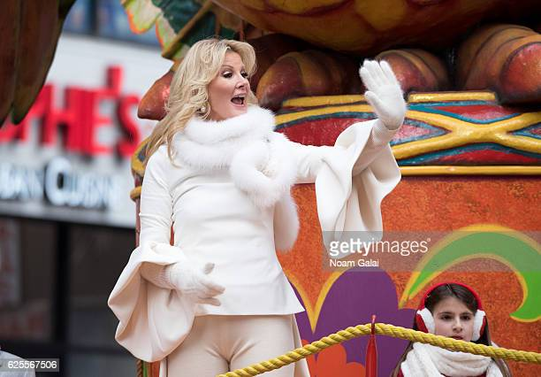 Sandra Lee attends the 90th Annual Macy's Thanksgiving Day Parade on November 24 2016 in New York City