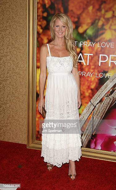 Sandra Lee attends the premiere of Eat Pray Love at the Ziegfeld Theatre on August 10 2010 in New York City