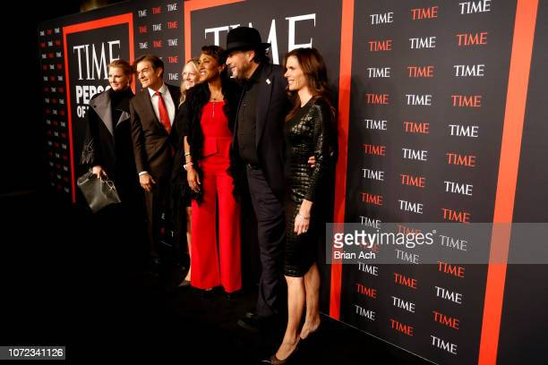 Sandra Lee Mehmet Oz a guest Robin Roberts Marc Benioff and Lynne Benioff attend the TIME Person Of The Year Celebration at Capitale on December 12...