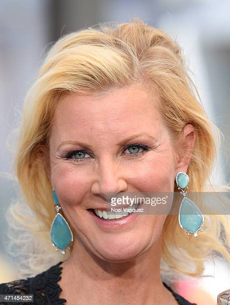 Sandra Lee visits 'Extra' at Universal Studios Hollywood on April 28 2015 in Universal City California