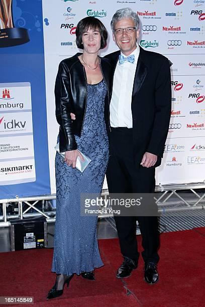 Sandra Maahn Und Ehemann Dr. Christoph Goetz Bei Der Verleihung Des Lea Awards In Der Color Line Arena In Hamburg .