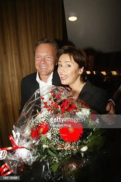 Sandra Maischberger Mit Freund Jan Kerhart Beim Konzert Zum 80 Geburtstag Von Vicco_Von_Bülow In Der Deutschen Oper In Berlin Am 201103