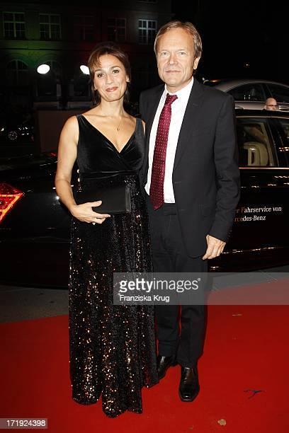 Sandra Maischberger Und Ehemann Jan Kerhart Bei Der Ankunft Zur Bambi Verleihung 2011 In Den Rhein Main Hallen In Wiesbaden