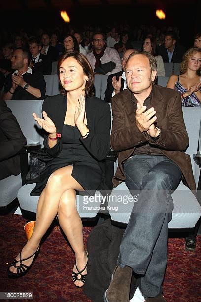 Sandra Maischberger Und Ehemann Jan Kerhart Bei Der Premiere Von Der Baader Meinhof Komplex Im Delphi Filmpalast In Berlin