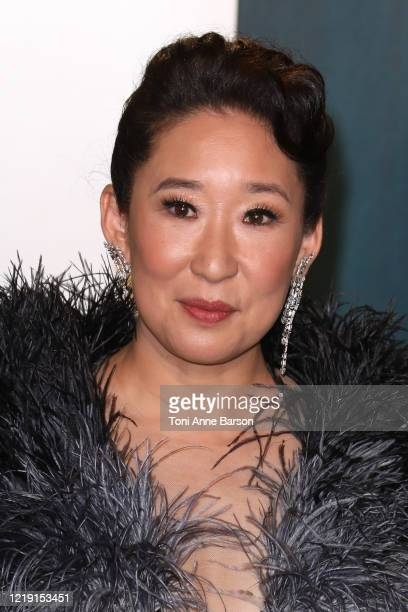 Sandra Oh attends the 2020 Vanity Fair Oscar Party at Wallis Annenberg Center for the Performing Arts on February 09, 2020 in Beverly Hills,...