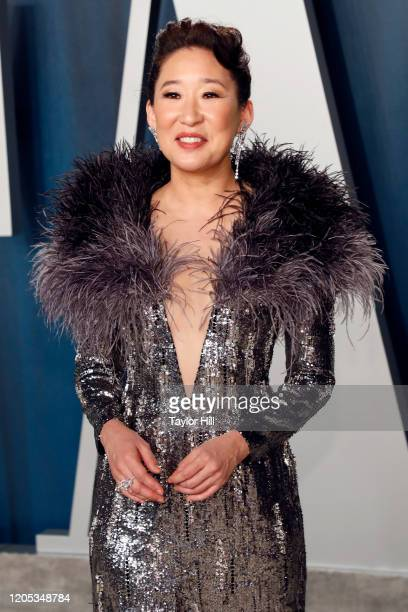 Sandra Oh attends the Vanity Fair Oscar Party at Wallis Annenberg Center for the Performing Arts on February 09, 2020 in Beverly Hills, California.