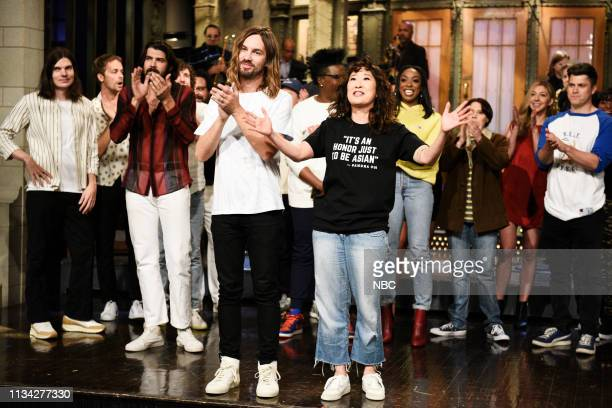 LIVE Sandra Oh Episode 1762 Pictured Kevin Parker of musical guest Tame Impala and host Sandra Oh during Goodnights Credits on Saturday March 30 2019