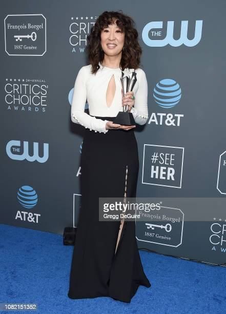 Sandra Oh winner of Best Actress in a Drama Series for 'Killing Eve' poses in the press room at The 24th Annual Critics' Choice Awards at Barker...