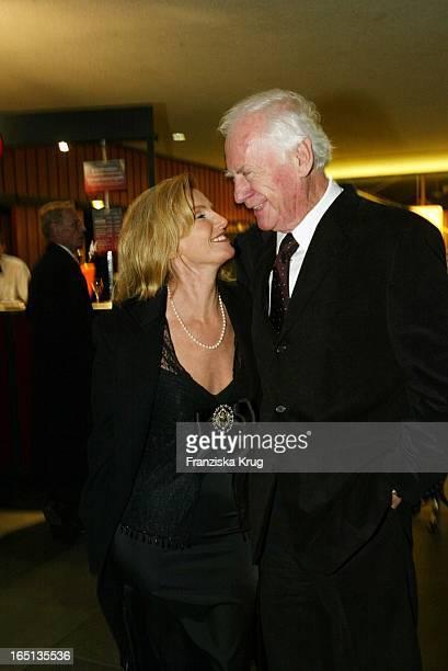 Sandra Pabst Und Ehemann Gehard Beim Konzert Zum 80 Geburtstag Von Vicco_Von_Bülow In Der Deutschen Oper In Berlin Am 201103