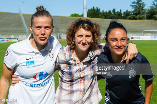 Sandrine Dusang of Juvisy and Sandrine Bretigny of Marseille during the women's Division 1 match between Juvisy v Olympique de Marseille on May 25...
