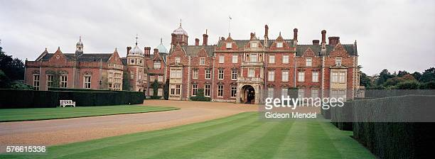 sandringham house - sandringham house stock pictures, royalty-free photos & images