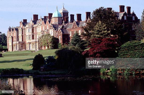Sandringham House With Garden And Lake