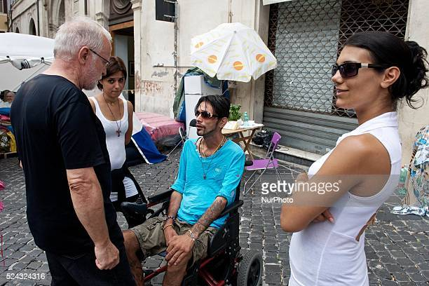 Sandro Biviano frome one month living with his brother and friends, in front of the Montecitorio to bring attention to the method Vannoni and the...