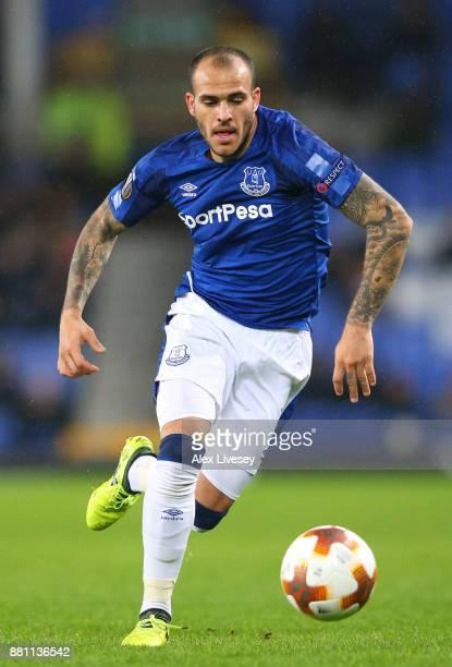 Sandro Ramirez of Everton runs with the ball during the UEFA Europa League group E match between Everton FC and Atalanta at Goodison Park on November...