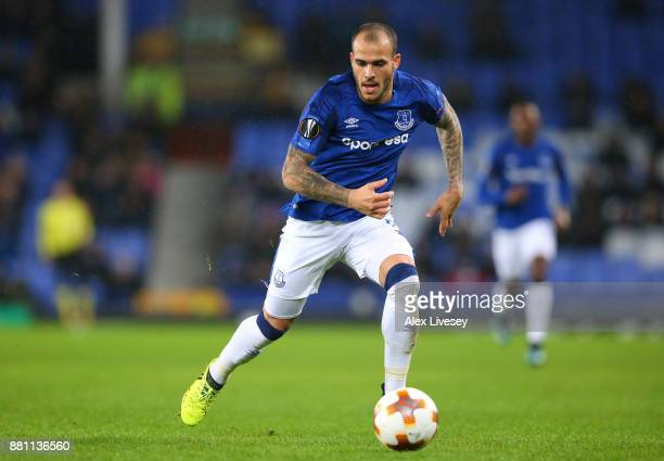 Sandro Ramirez of Everton runs with the ball during the UEFA Europa League group E match between Everton FC and Atalanta at Goodison Park on November...