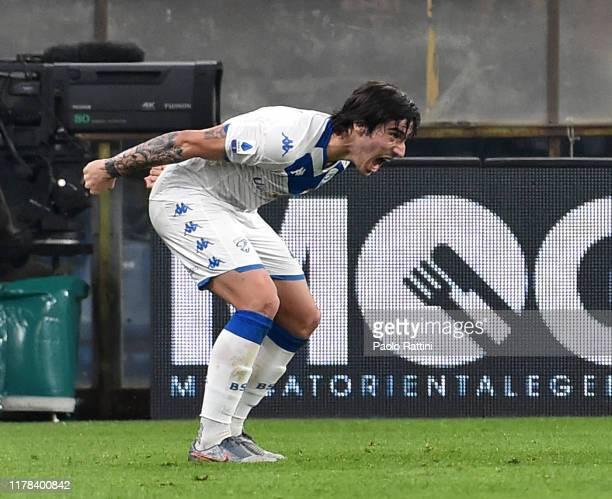 Sandro Tonali of Brescia Calcio celebrates for goal 0-1 during the Serie A match between Genoa CFC and Brescia Calcio at Stadio Luigi Ferraris on...