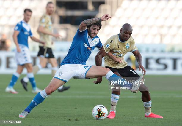 Sandro Tonali of Brescia Calcio competes for the ball with Bryan Dabo of Spal during the Serie A match between Brescia Calcio and SPAL at Stadio...