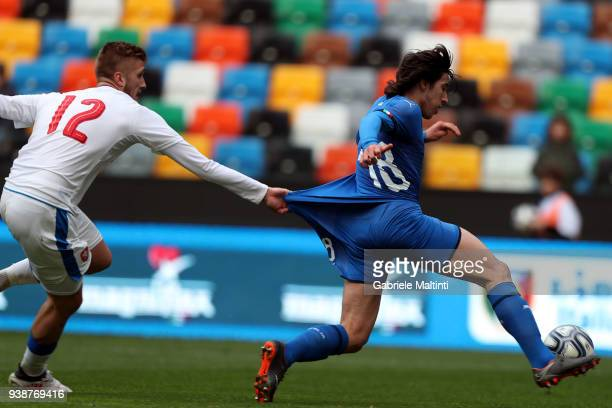 Sandro Tonali of Italy U19 in action during the Elite Round U19 match between Italy and Czech Republic on March 27 2018 in Udine Italy