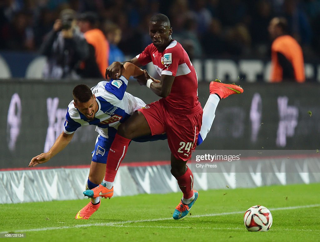 Sandro Wagner of Hertha BSC and Antonio Ruediger of VfB Stuttgart during the game between Hertha BSC and VfB Stuttgart on october 3, 2014 in Berlin, Germany.