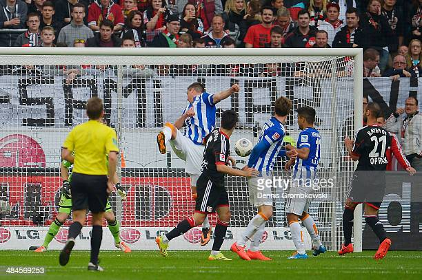 Sandro Wagner of Hertha BSC scores his team's first goal during the Bundesliga match between Bayer Leverkusen and Hertha BSC at BayArena on April 13...