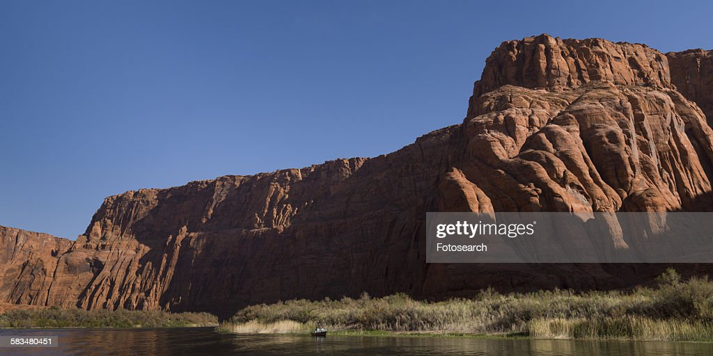 Sandstone cliffs in Glen Canyon National Recreation Area : Stock Photo