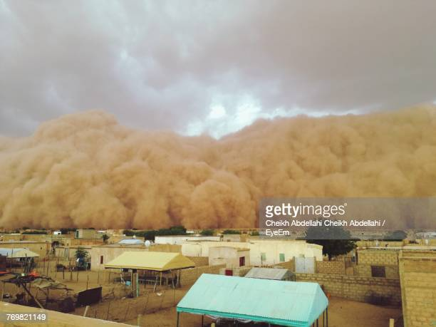 sandstorm in city - dust storm stock pictures, royalty-free photos & images