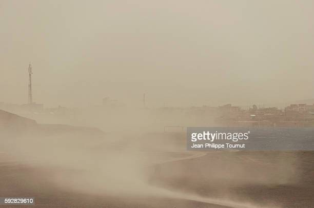 sandstorm in western iran - dust storm stock pictures, royalty-free photos & images