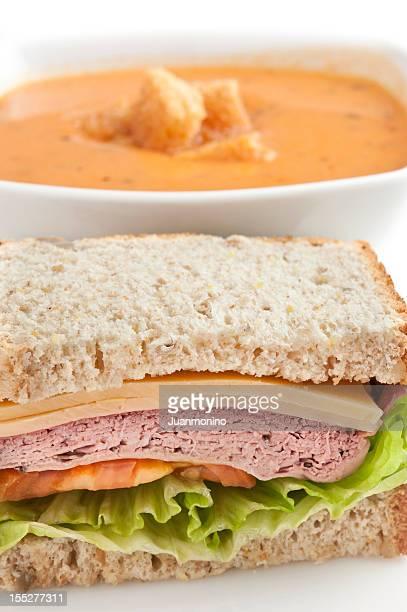 サンドイッチとスープ