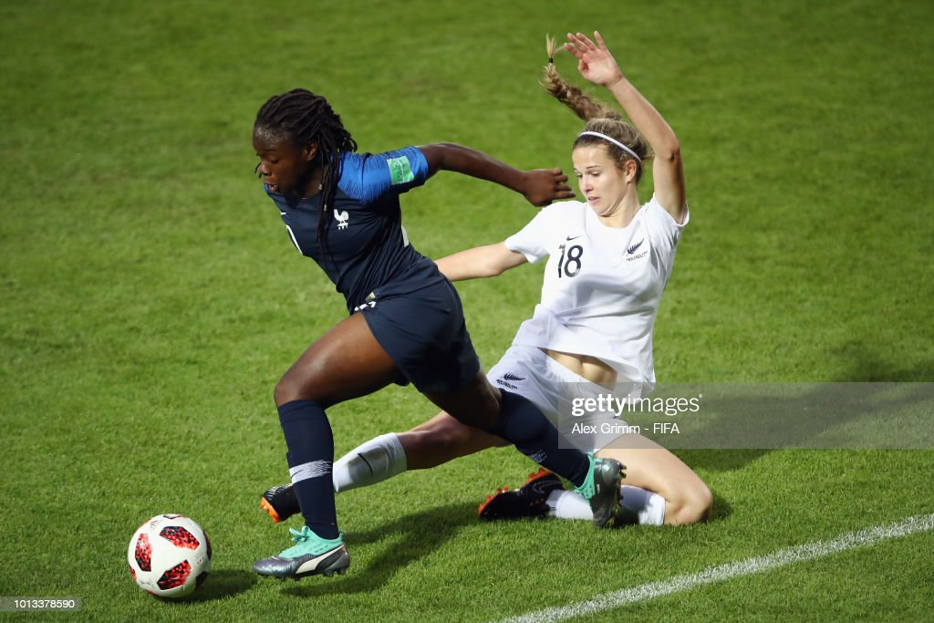 Sandy Baltimore of France eludes Aneka Mittendorff of New Zealand during the FIFA U-20 Women's World Cup France 2018 group A match between France and New Zealand at Stade de la Rabine on August 8, 2018 in Vannes, France.