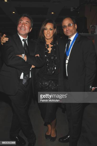 Sandy Gallin Donna Karan and Ross Bleckner attend WELCOME TO GULU EXHIBITION AND BENEFIT ART SALE ANTIHUMAN TRAFFICKING INNITIATIVE at The United...