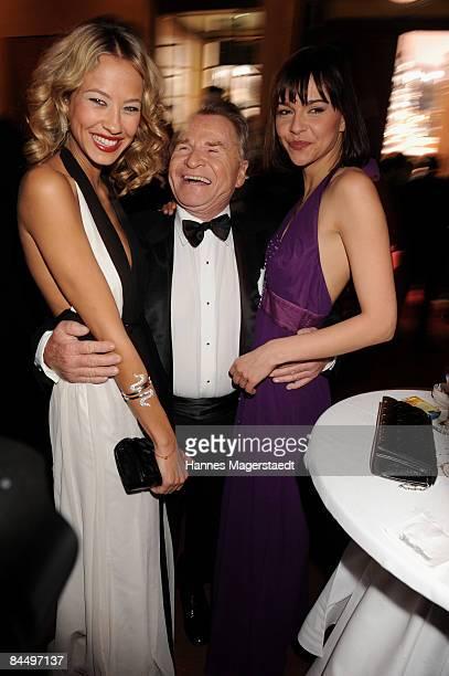 Sandy MeyerWoelden Fritz Wepper and Susann Hoecke pose at the Diva Entertainment Award at the Hotel Bayerischer Hof on January 27 2009 in Munich...