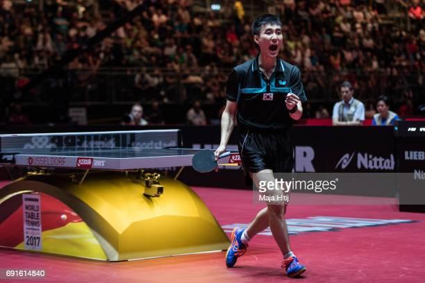 Sangsu Lee of South Korea celebrates during Men's Singles quarterfinals at Table Tennis World Championship at Messe Duesseldorf on June 2, 2017 in...