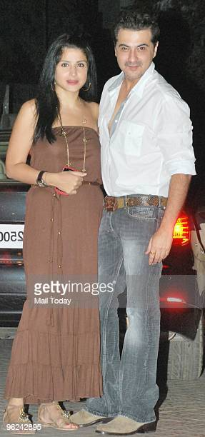 Sanjay Kapur with wife Maheep at Karisma Kapoor's house warming party in Mumbai on January 26 2010
