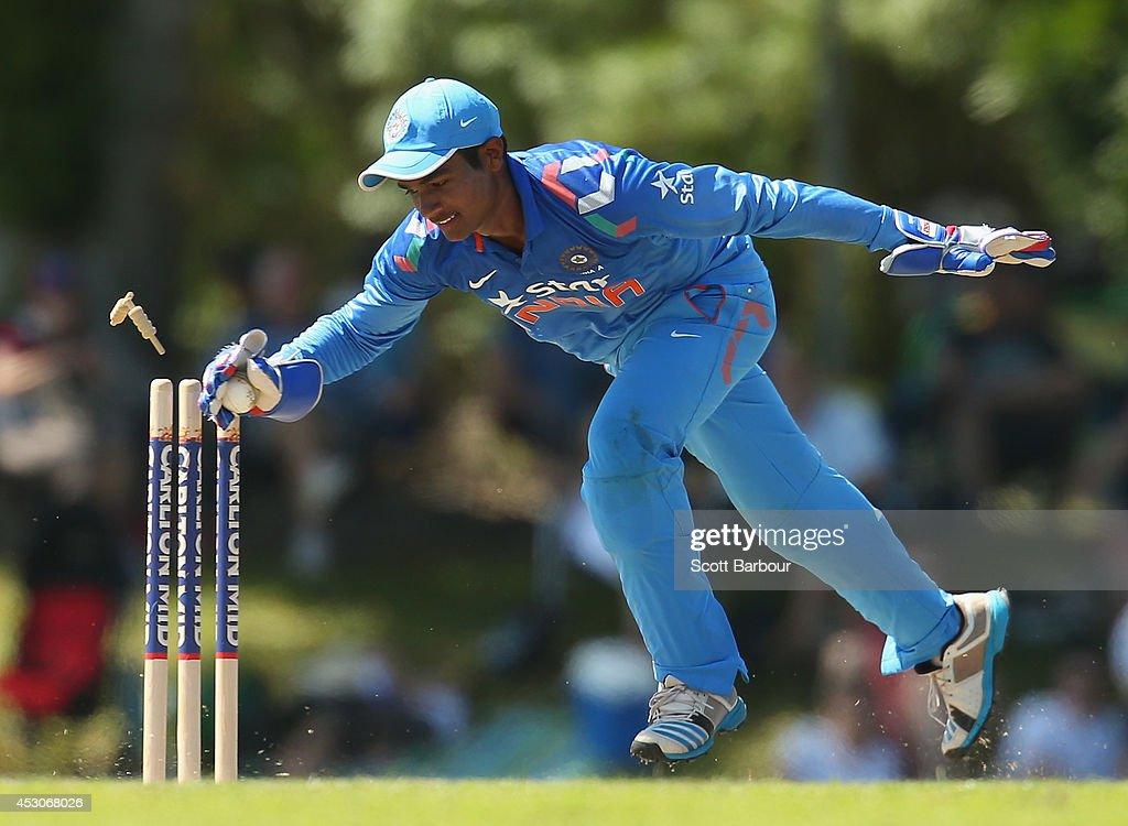 Australia 'A' v India 'A' - Quadrangular Series Final : News Photo