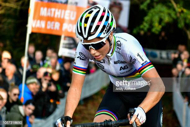 Sanne Cant from Belgium during the Women's Elite race at the European Cyclocross Championships - Day Three on November 4, 2018 in 's-Hertogenbosch,...