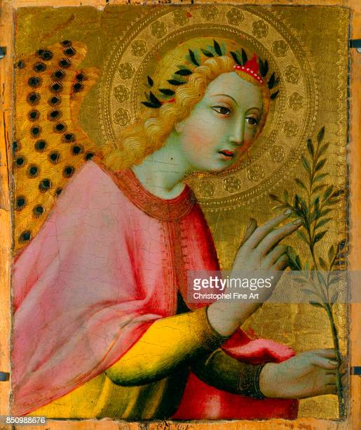 Sano Di Pietro Angel of the Annunciation Oil on wood 040 x 034 m Avignon musee du Petit Palais