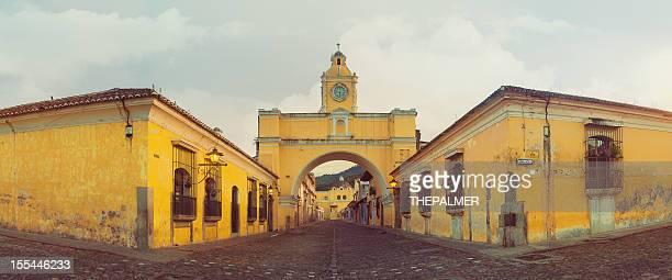 Arco de santa catalina en antigua el centro de la ciudad