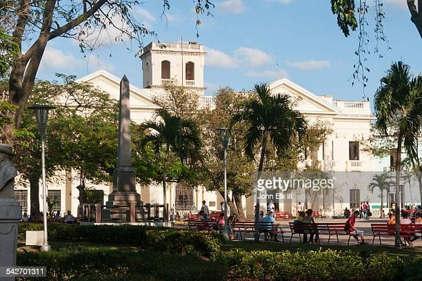 santa clara, parque vidal, palacio provincial - キューバ サンタクララ ストックフォトと画像