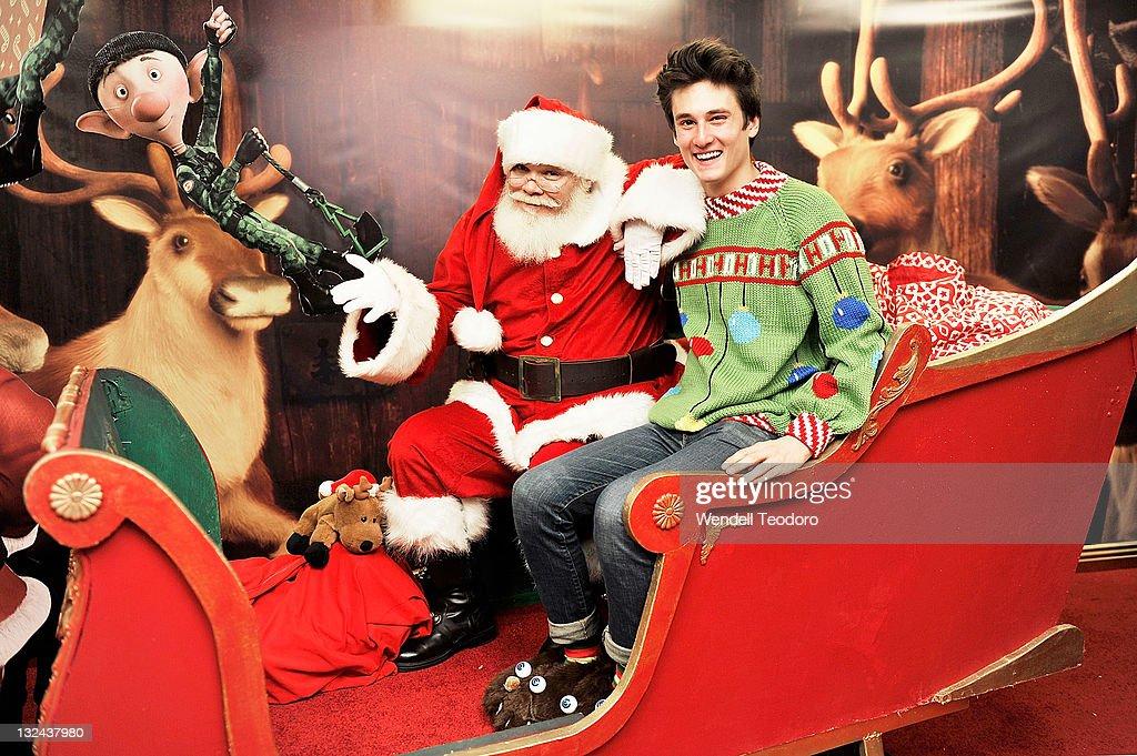 Arthur Christmas Santa.Santa Clause And Arthur Unveil The Arthur Christmas Mta
