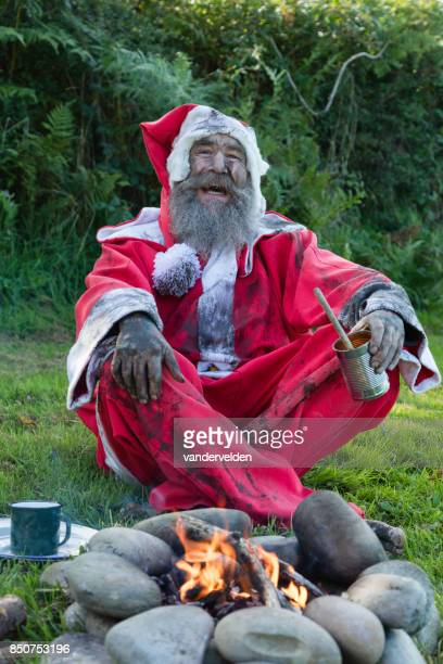 santa claus - redundant and homeless - dirty santa stock pictures, royalty-free photos & images