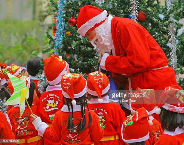 Santa Claus share gift for children