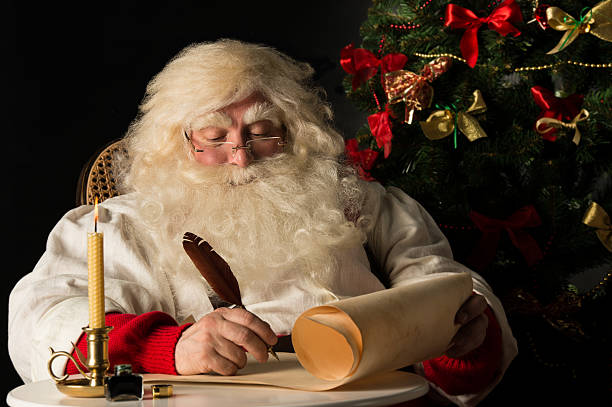 descriptive essay santa claus Christmas essay for kids 2017: santa claus dresses himself in red and white, wears white and long false beard, and carry a bag full of presents for the children.